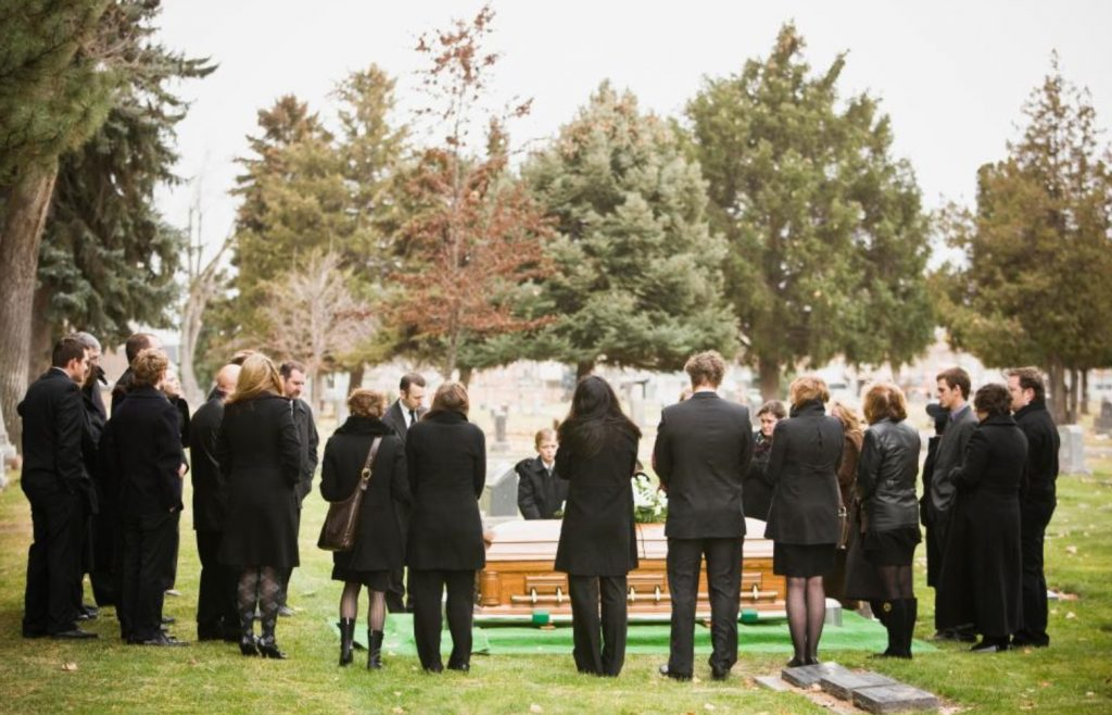 DIY BURIALS: A complex undertaking or a rewarding experience?