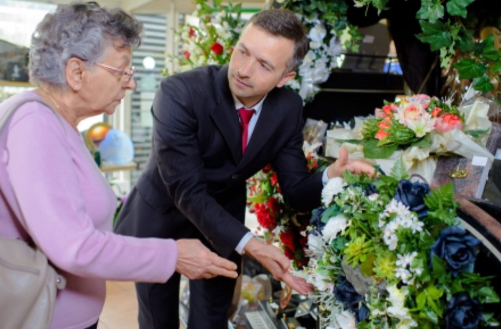 3 Reasons Why You Should Plan Your Own Funeral