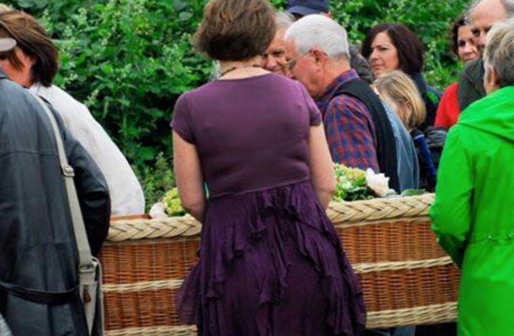 DIY Funerals: A complex undertaking or a rewarding experience?