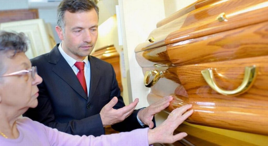 FUNERAL DIRECTOR CLAIMS CONSUMERS ARE BEING RIPPED OFF WITH FAKE COFFINS